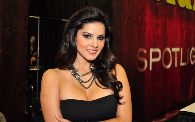 bollywood porn porn black sunny leone wallpapers dress wallpaper bollywood