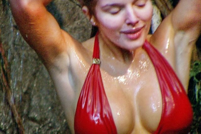 soft porn page imacelebrity getmeoutofhere helenflanagan donegal