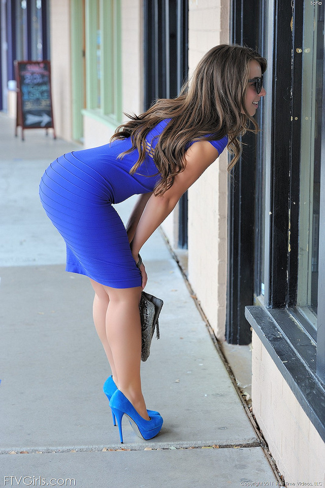 big tight booty pics blue tight dress booty ftv window shopping sophiasutra tightbluedress