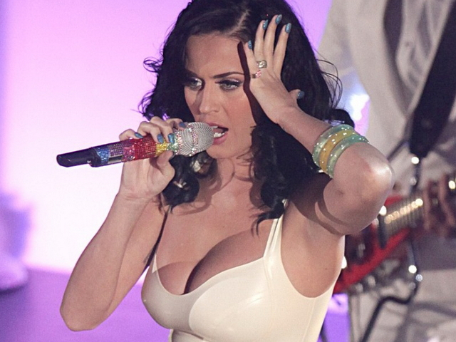 big tits and nipple pics tits awards katy perry cleavage tight dress nipple radio pokies visible