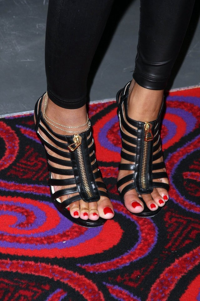 black woman foot worship page ass threads some feet pretty good cole toes meagan keyshia