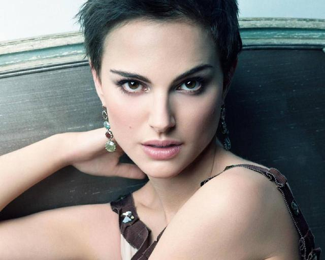 brunette woman pics girl beautiful woman brunette cute actress faces wallpaper natalie portman