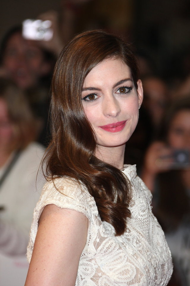 celeb sexy pics photo sexy beauty anne ten cel hathaway trends