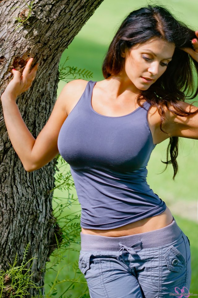 extremely hot naked wome photos pics hot sexy very blue dress jeans wallpaper denise nature violet milani
