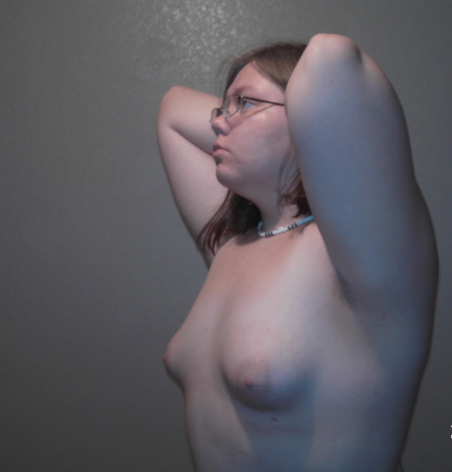girl small tits