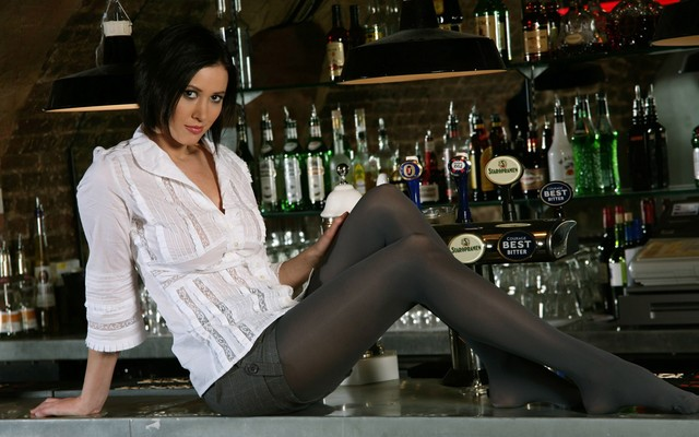 free pictures of pantyhose free wallpapers pantyhose letter barmaid