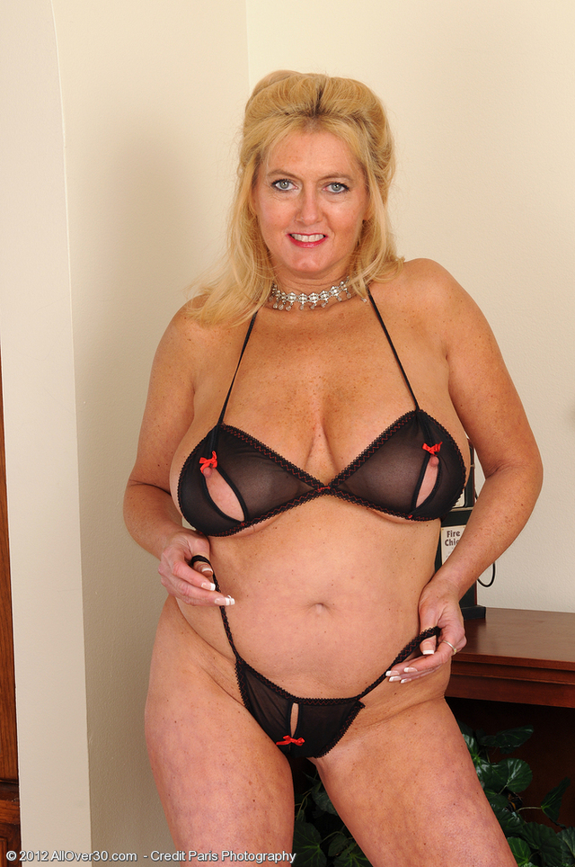free pictures of sexy older women free porn over sexy milf mature lets boobs housewife all