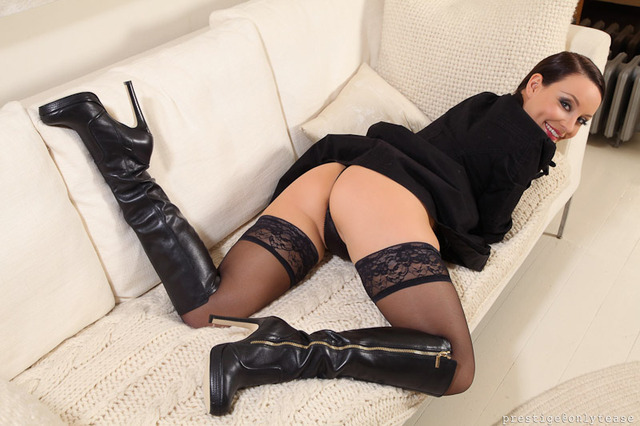 free porn with stockings free porn pics fetish stockings only brown tease carla boots gloves