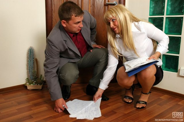 girl in pantyhose gets fucked pics pictures office secretary pantyhose
