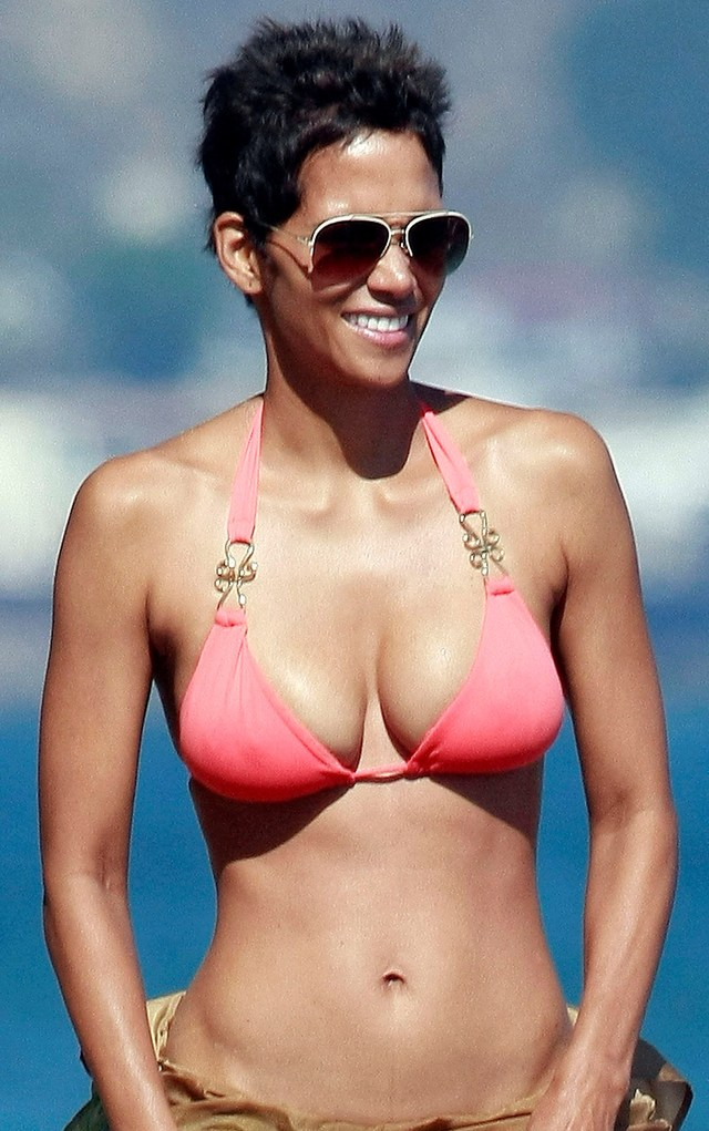 great boob photos young pictures old tits bikini daughter enjoying boobs look year beach better halle berry malibu nahla