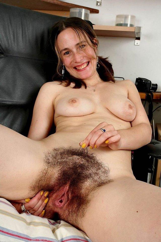 порно фото волосатая пизда а на голове светлые волосы