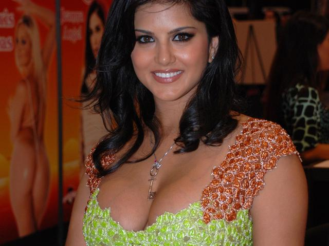 hot big bobs images pics hot sunny leone wallpapers bobs