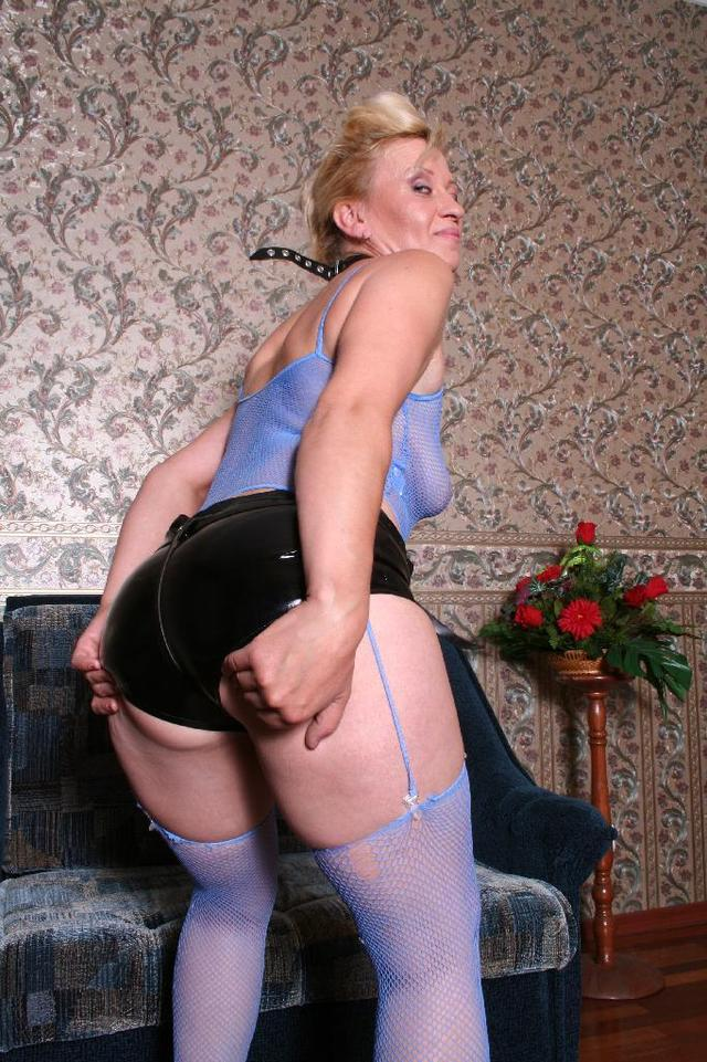 hot grandma pics hot fucked mature blue getting stockings dildo strap playing before grandma donna