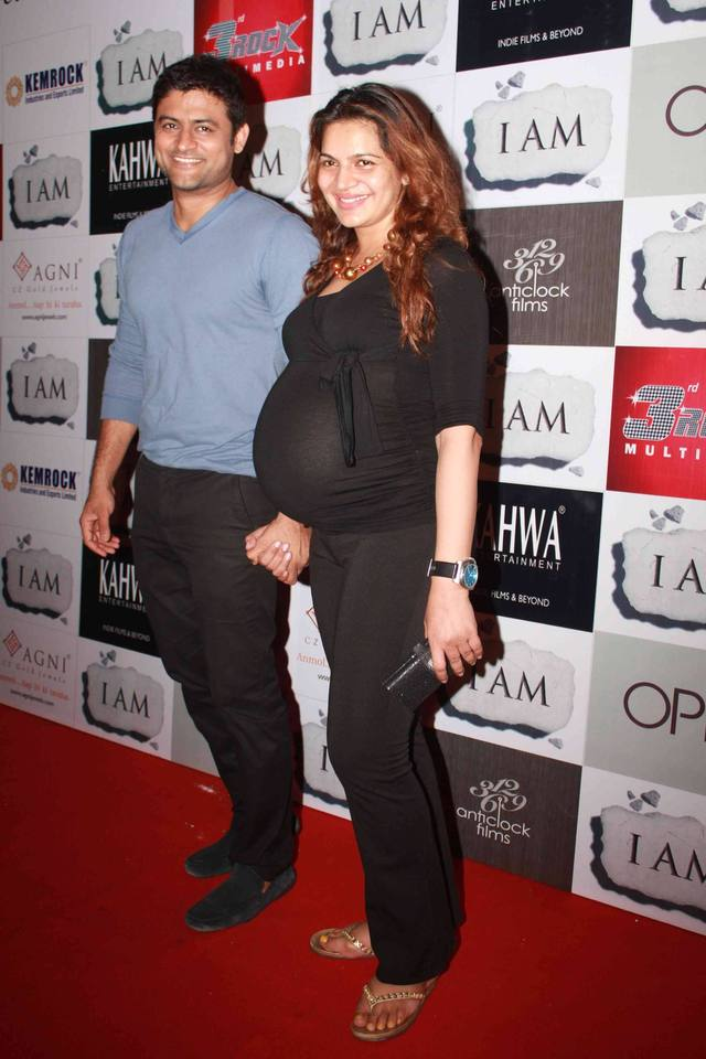 hot pregnant galleries win hot film party wife awards pregnant national shweta manav gohil kawatra onir celebrating