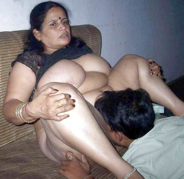 hot sex pussy licking photos hot indian pussy aunty getting desi aunties licked