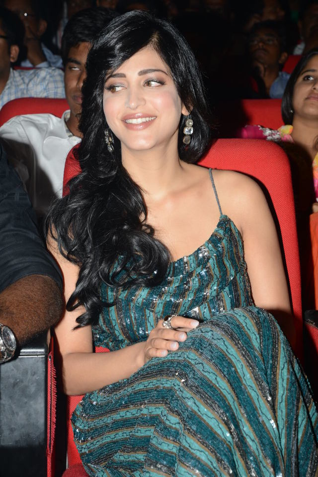 hot sexy image free gorgeous audio dress launch hassan shruthi sparkling hassanin yevadu
