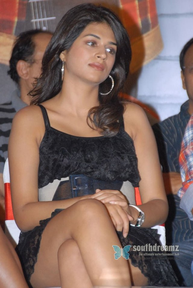 hot up skirt pictures photos hot indian stills masala actress upskirt southdreamz shraddha sraddha das