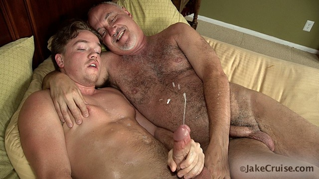 huge porn pics porn amateur gay hairy huge cock boy sucks jake younger daddy knight shoots cruise until lucas