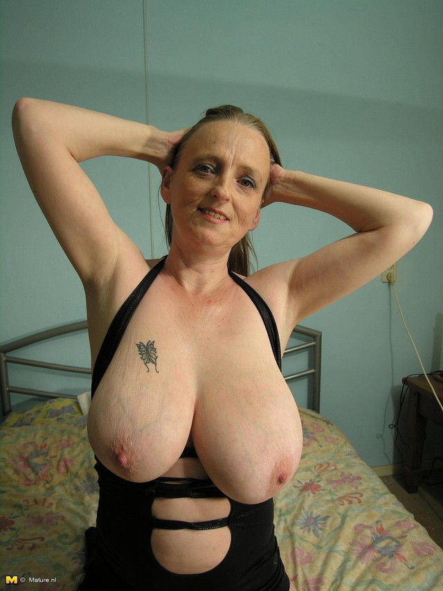 huge tit picture gallery porn photo granny tits tit