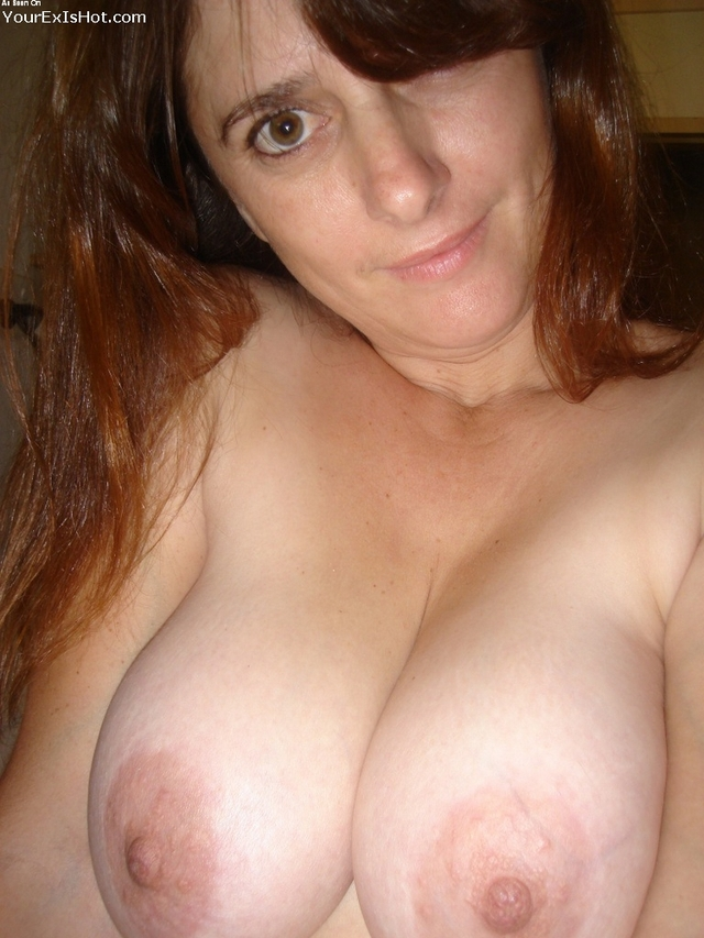 huge tits with nipples tits sexy milf huge flash housewife breasts milfs