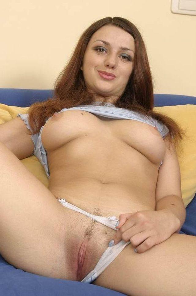 Porn lesbian sucking pussy