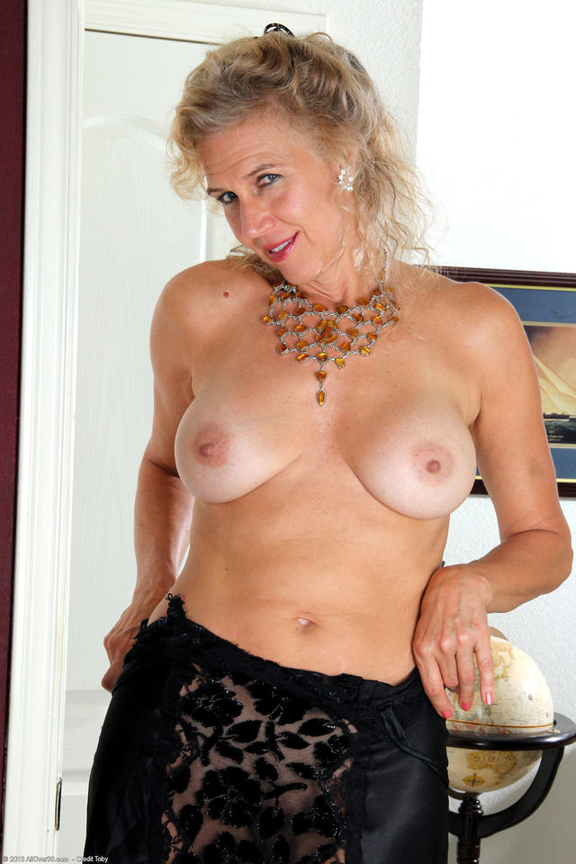 Free Movies Of Grannies Striptease 37
