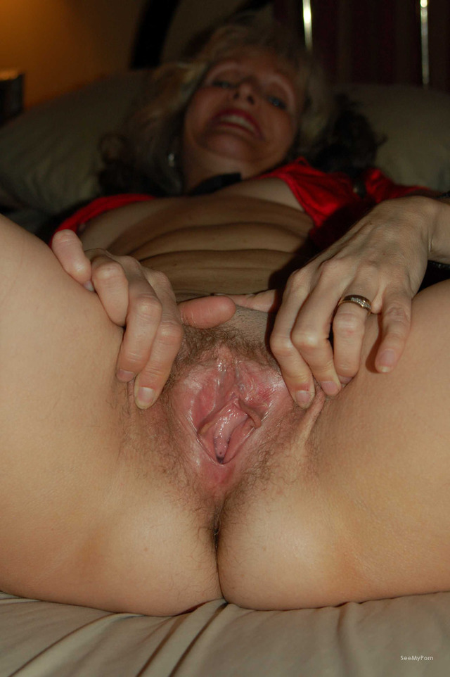 nice pussy lip pics photos nice pussy main woman get wet mature pink vagina spreading lips apart