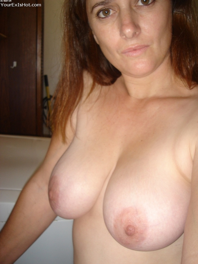 nipple porn gallery pics tits sexy milf huge nipples flash housewife milfs