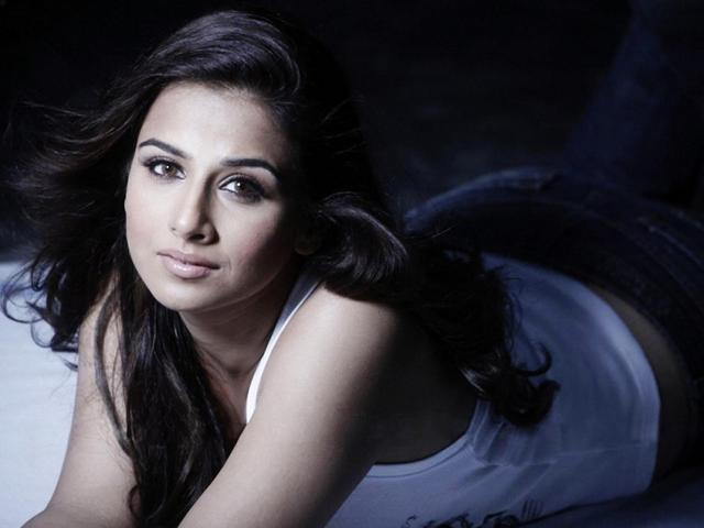 nude pic of hot women entry hot sexy nude albums wallpapers vidya balan trynity