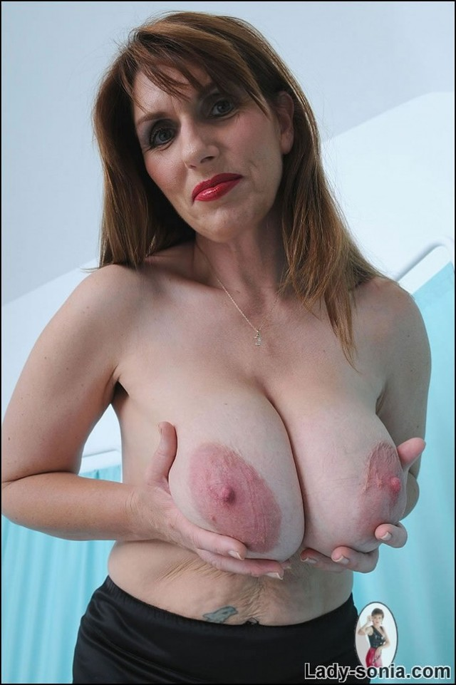 older pussy pics showing pussy tits off milf mature older