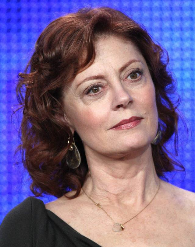 older women pix women woman older hairstyles susan sarandon