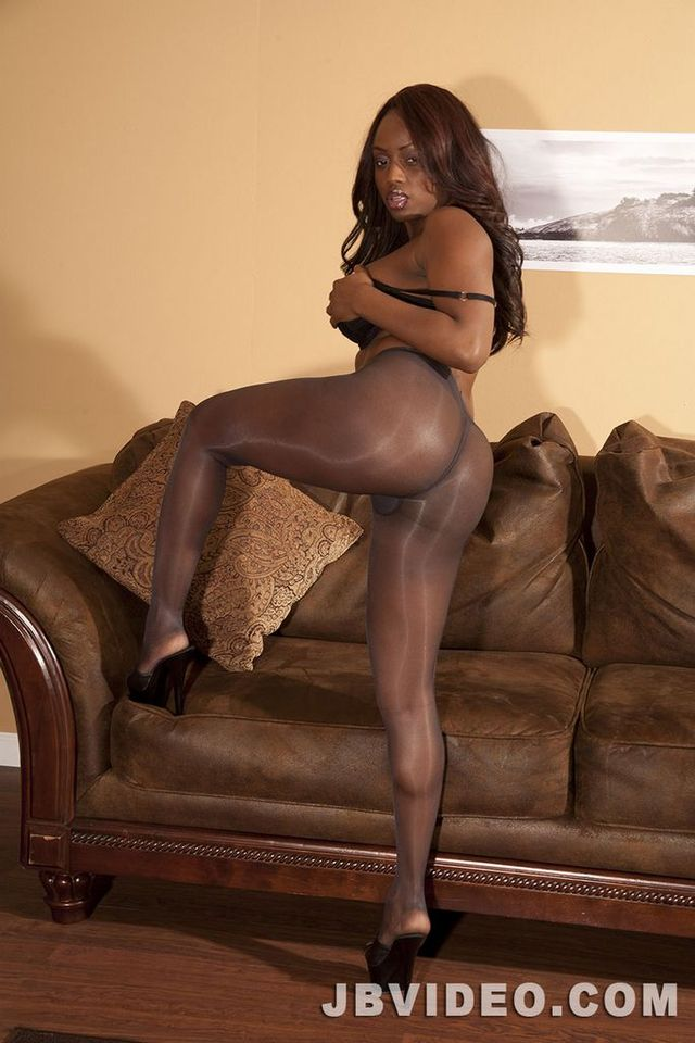 Ebony women in nylons