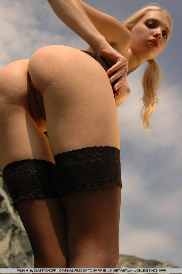 petite girl ass pics girl hot ass petite naked blonde outside