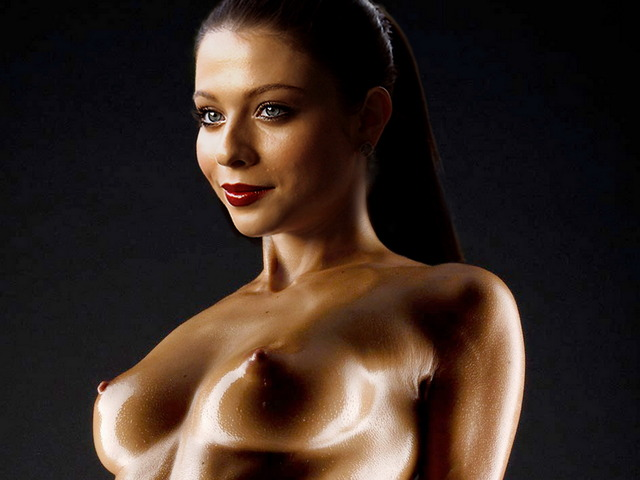 pic of naked celebs photo naked shoot celebs oiled michelle uhq trachtenberg gaffa
