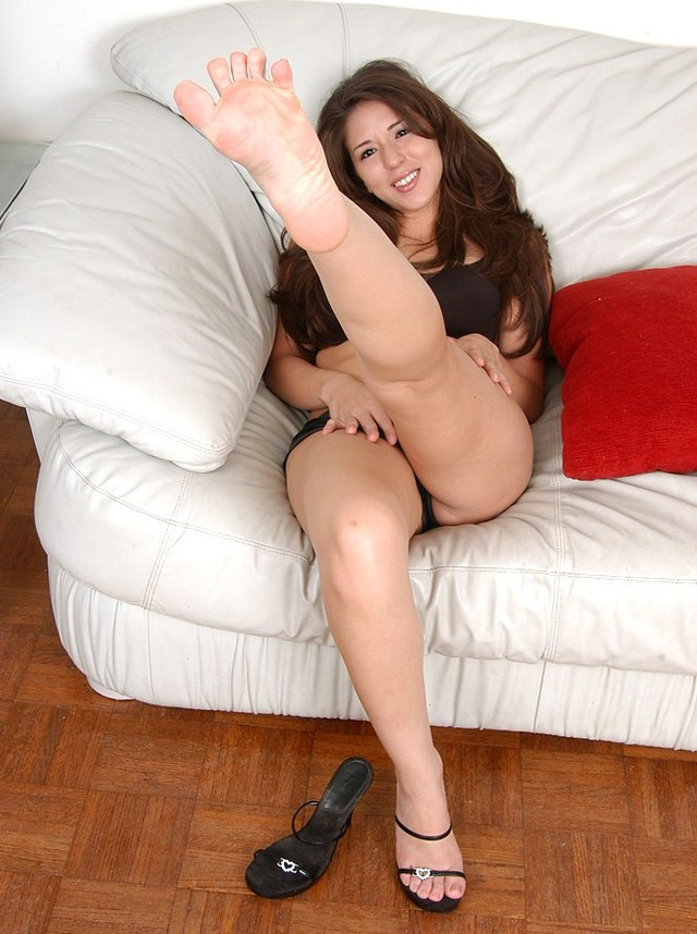 pics of sexy feet page sexy hottie feet spread toes