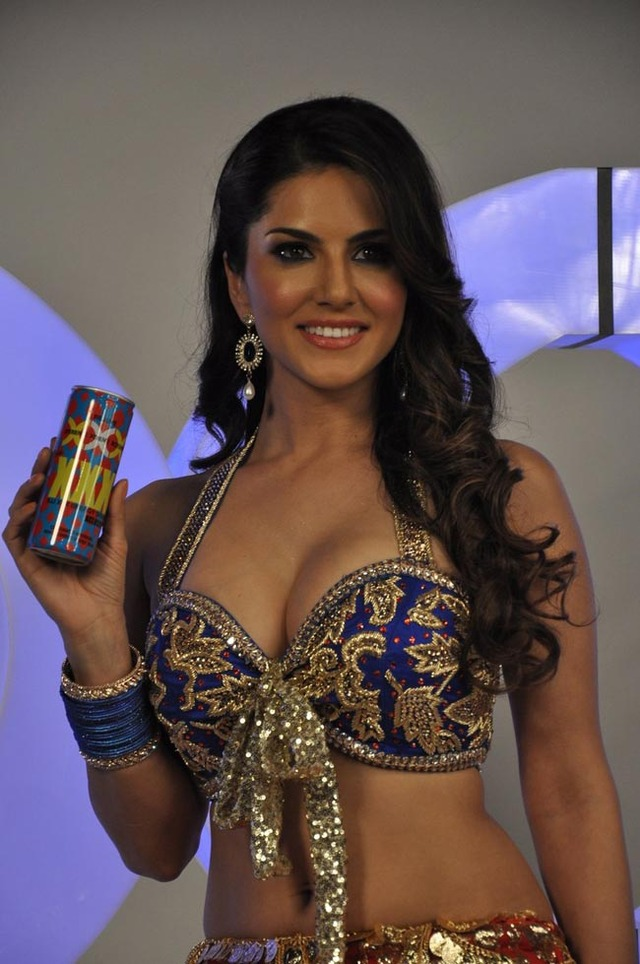 picture gallery xxx photo xxx gallery hot attachment sunny leone shoot drink energy