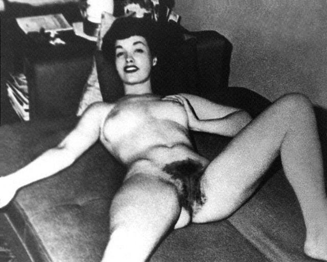 Бетти любит всех смотреть 1986 порно