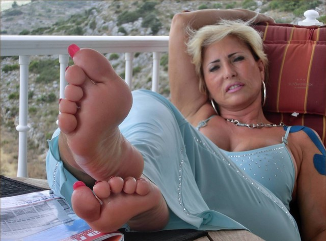 Sexy sex hot feet