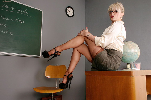 sexy horny teachers pictures sexy milf nylons heels stockings picsa alina