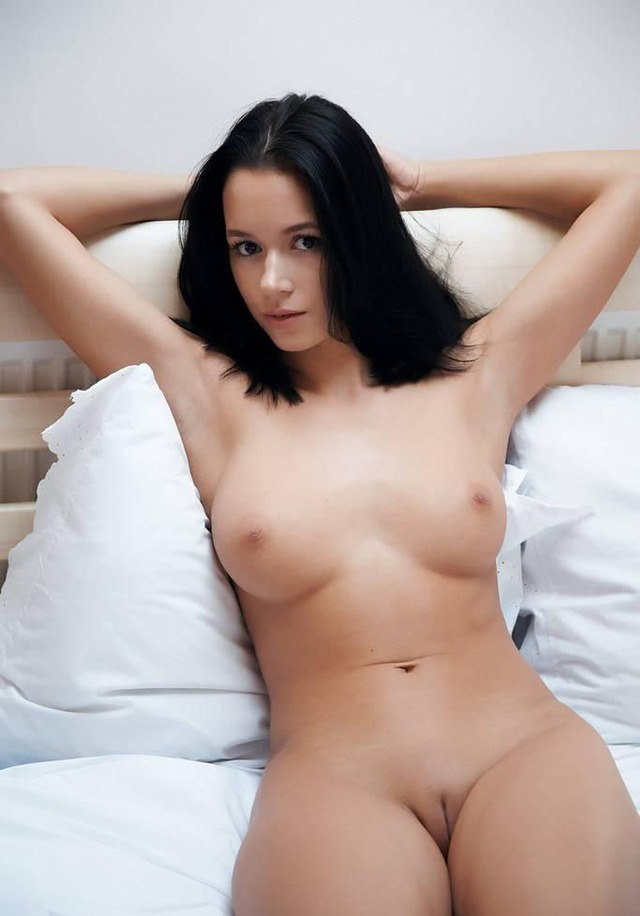 sexy naked brunette original babe sexy nude brunette laid tasty attractive