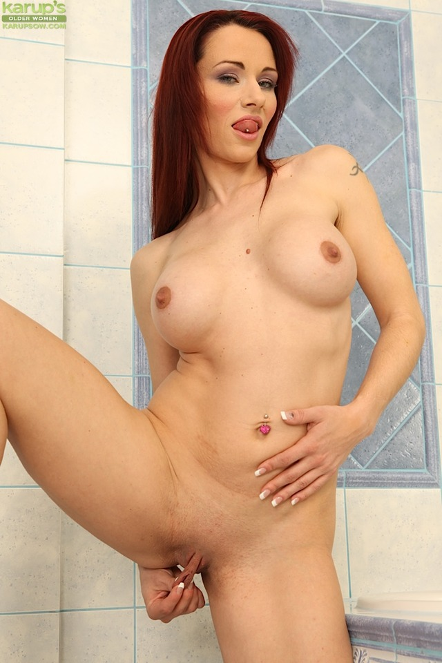 sexy red head porn pics porn pussy sexy redhead milf women older lips karups meaty pulling