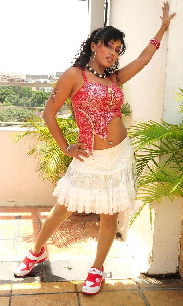 short skirts hot photo hot skirt short celeb users spicy gossips aarthi puri pho xitefun