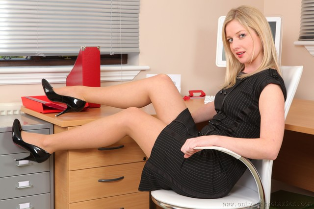 stockings office porn porn photo office hottie fetish stockings