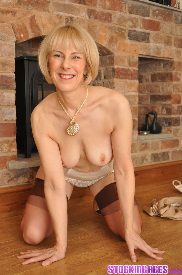 stockings porn pictures sexy blonde mature stockings stocking aces
