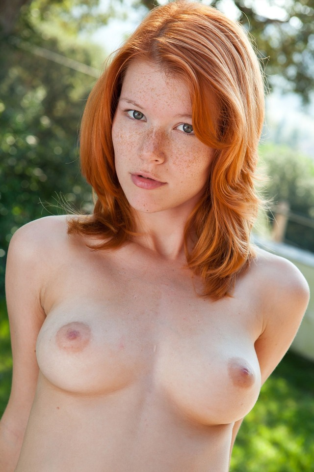 Nice Pale natural redhead with freckles