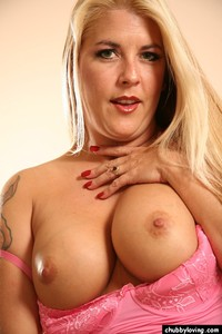 bbw porn pictures toys chubby loving cute blonde solo poses
