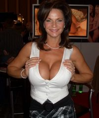 actress porn media original american porn actress deauxma mother genre venus milf
