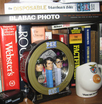 pez porn elvis pez read meet nieratkos share birthday