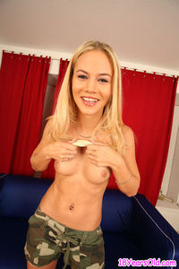 old porn blonde small boob eighteen year old porn