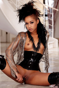 blog porn media original skin diamond strip tease holly randall porn